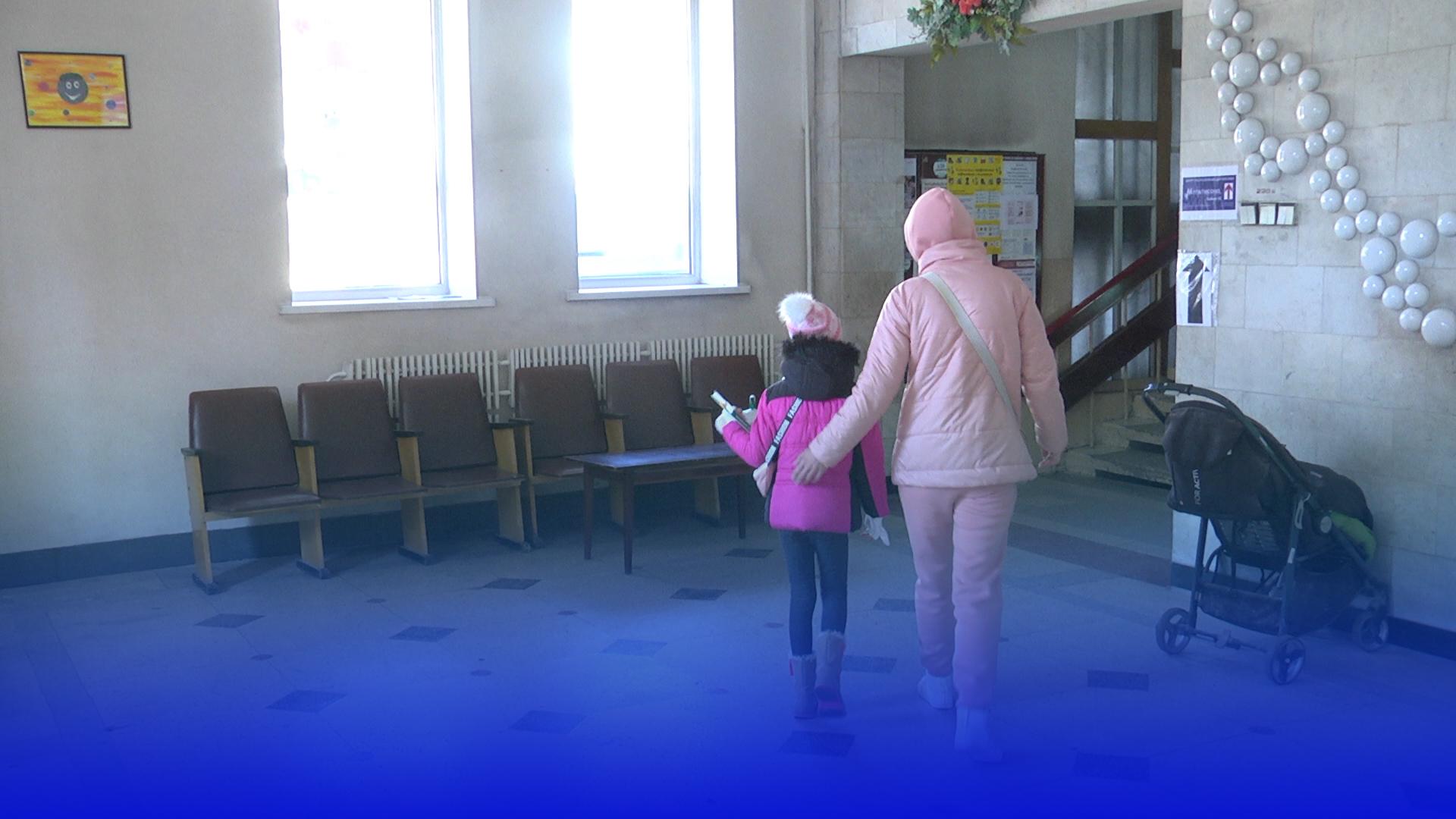 Які щеплення є обов'язковими для відвідування дітьми шкіл та садочків