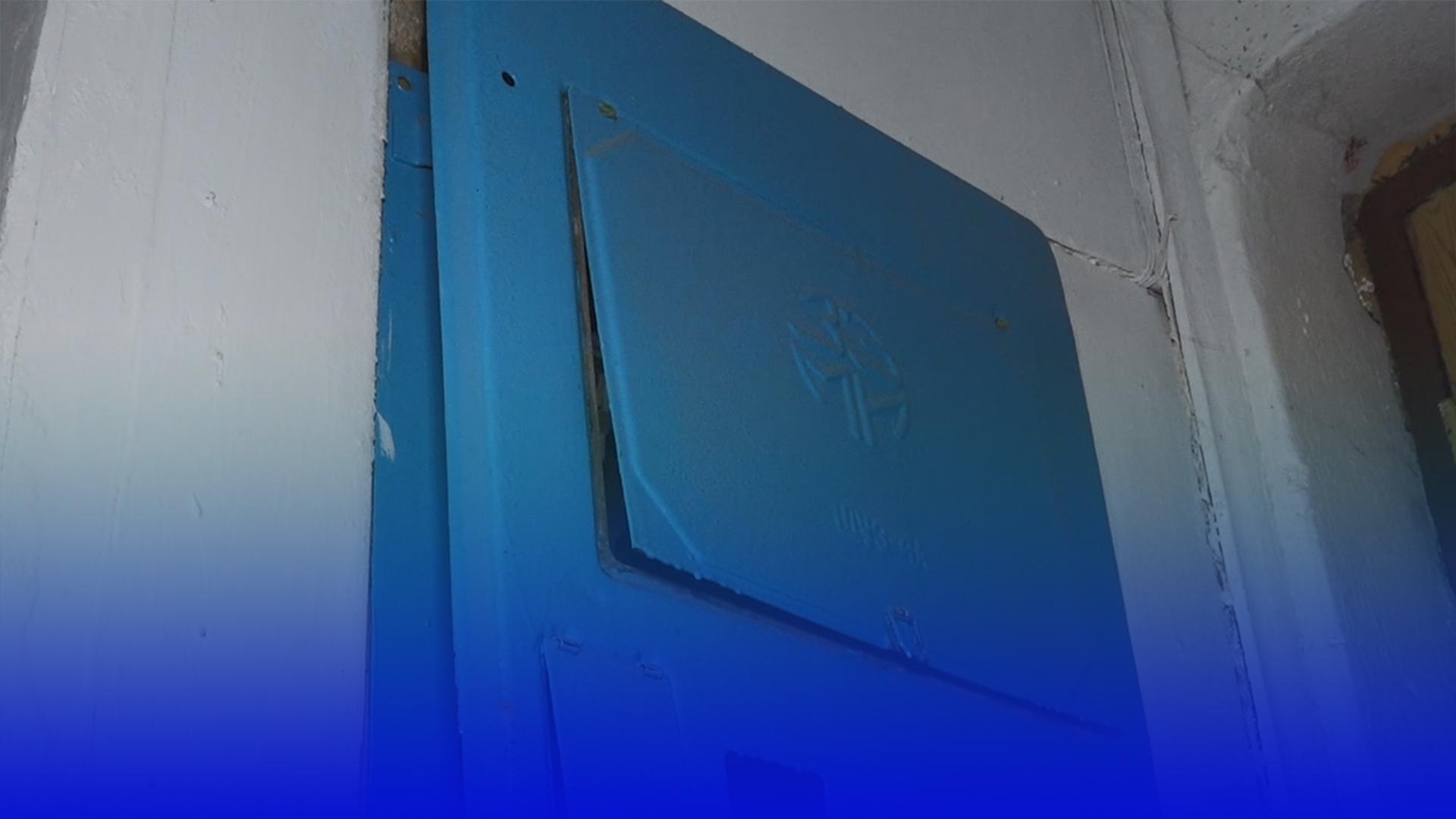 Вогонь на сходовій клітці: стали відомі деталі пожежі на вул. Фабрична