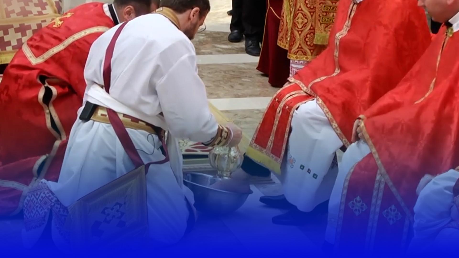 У чистий четвер в соборах України,  в тому числі Тернополя,  відбувся чин умивання ніг