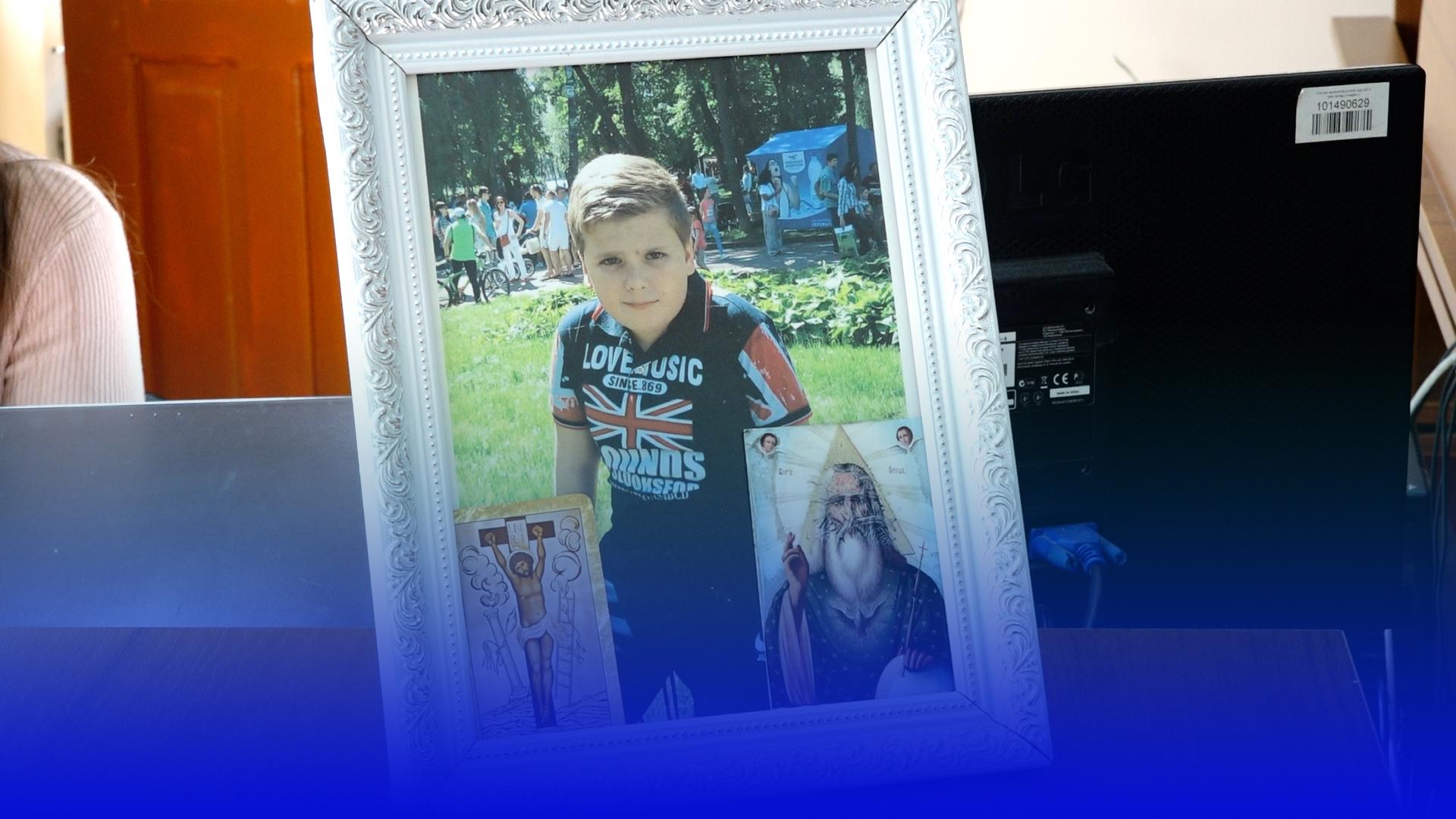 Чи працюватиме й далі лікар, якого батьки Романа Кулака звинувачують у смерті сина