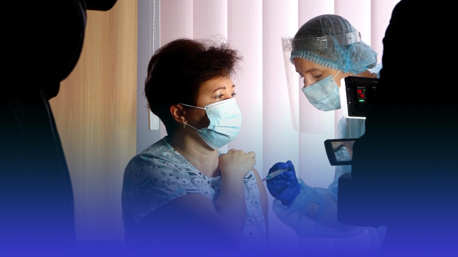 Другий етап: на Тернопільщині розпочали повторну вакцинацію медиків