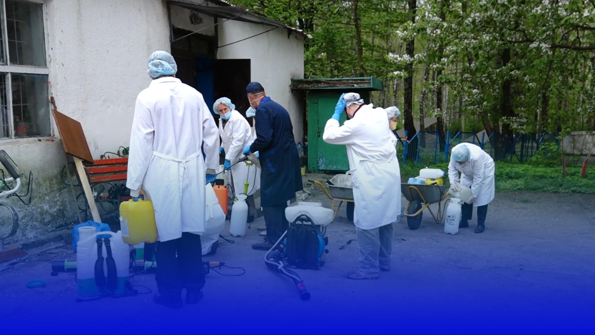Боротьба з кліщами: у парках Тернополя проводять дезінфекцію