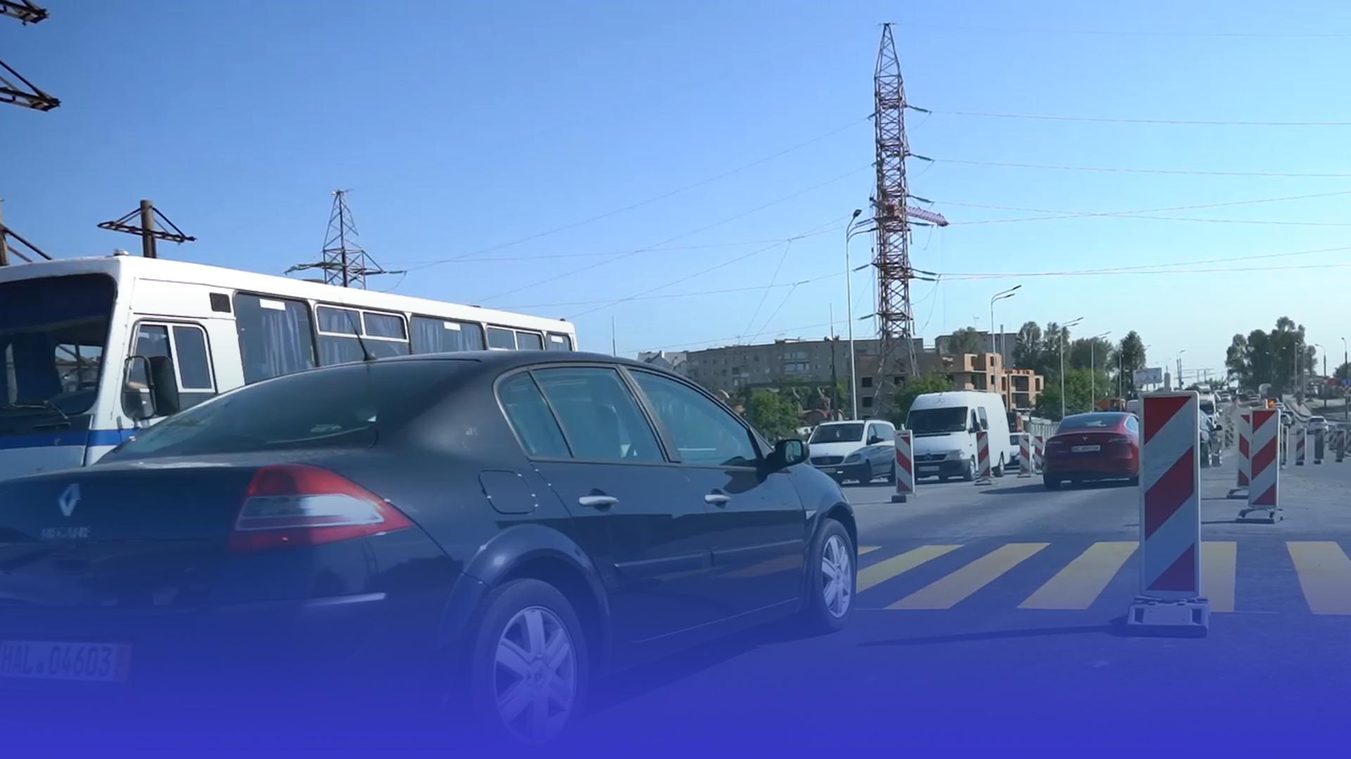 Відкрили проїзд: на Гаївській розв'язці водії тепер можуть користуватись двома смугами