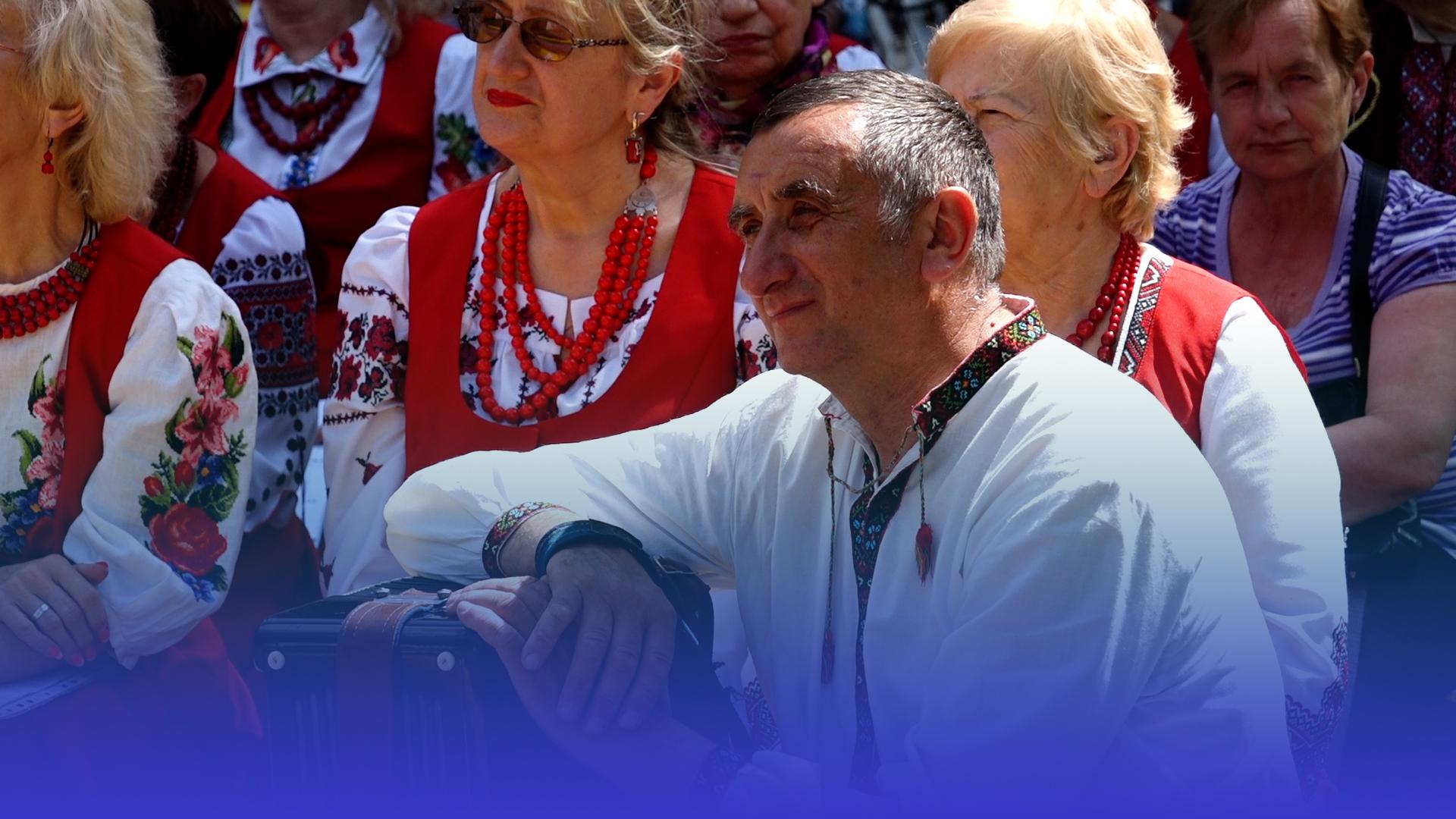 Гучні пісні та аплодисменти: у Тернополі організували святковий концерт до Дня батька