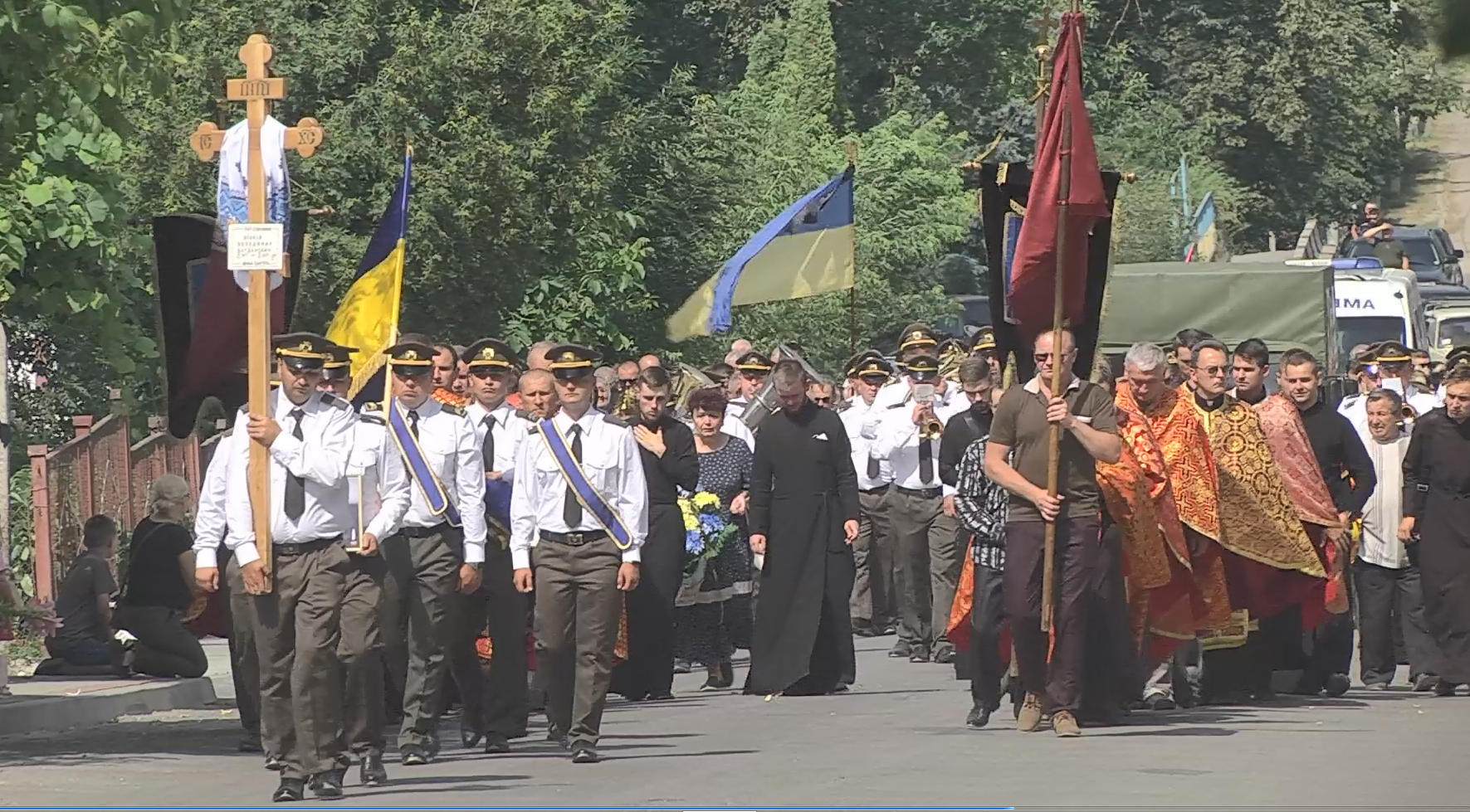 У Великих Бірках поховали загиблого на Сході Володимира Яськіва