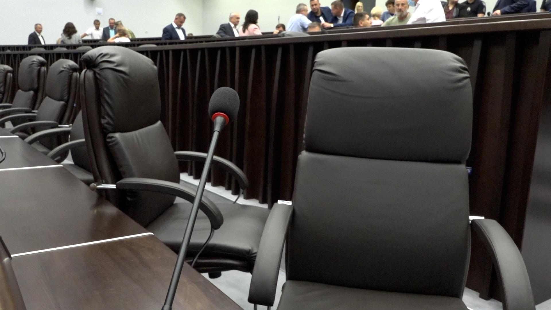Скандал у Тернополі: коаліція проігнорувала засідання облради, а ветерани війни виступили із терміновою заявою