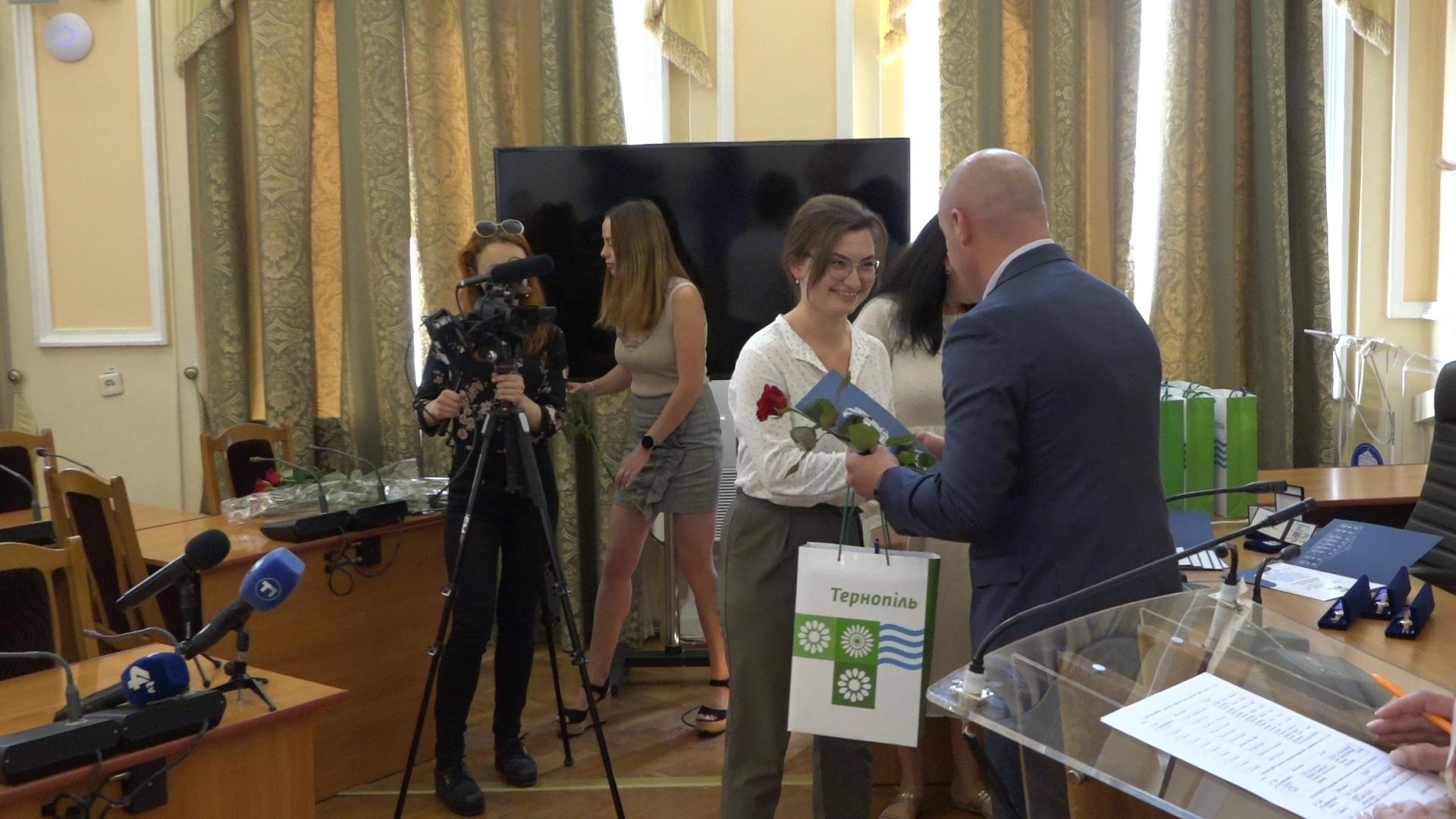 Тернопільські підприємці отримали нагороди до Дня працівника торгівлі
