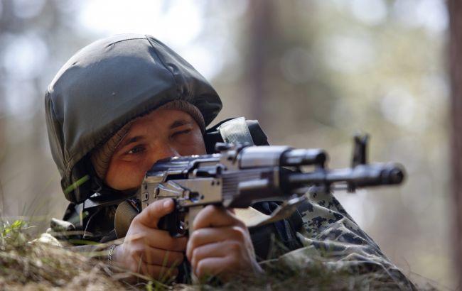 Бойовики на Донбасі вбили українського військового та поранили ще трьох