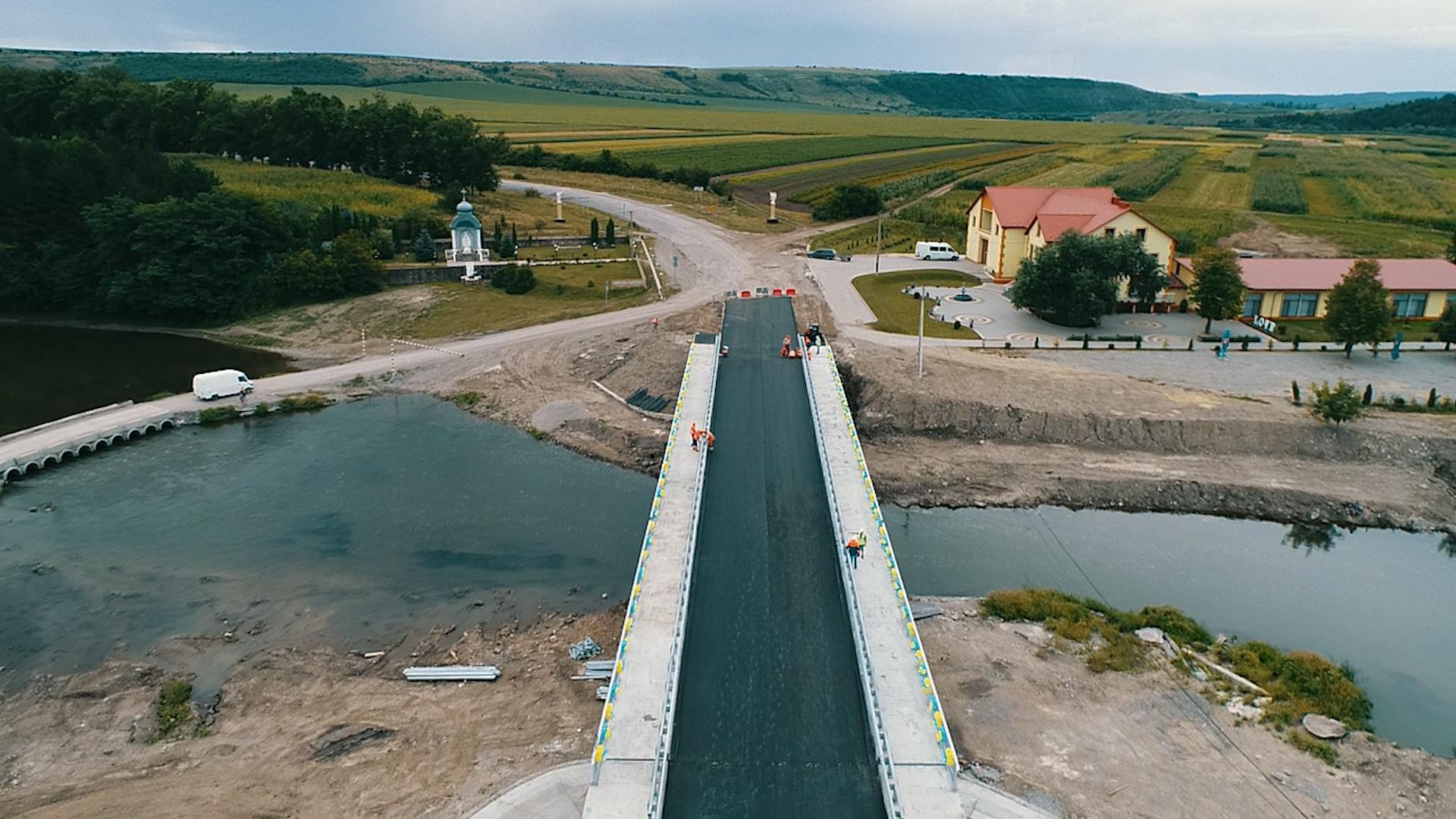 Міст у Лисівцях на Тернопільщині відкриють на день незалежності
