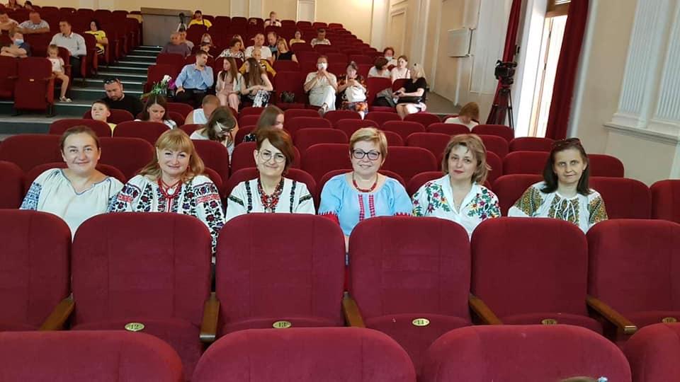 Ціна вишиванки: депутати Тернопільщини готові платити за вбрання по 10 тис гривень