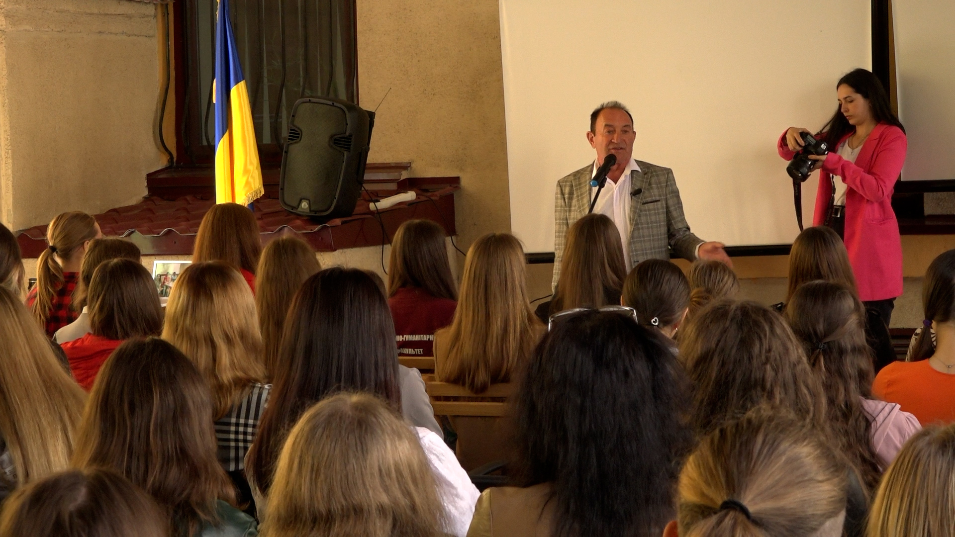 Пари із відомими українцями: Андрій Підлужний урізноманітнив навчання студентів ЗУНу