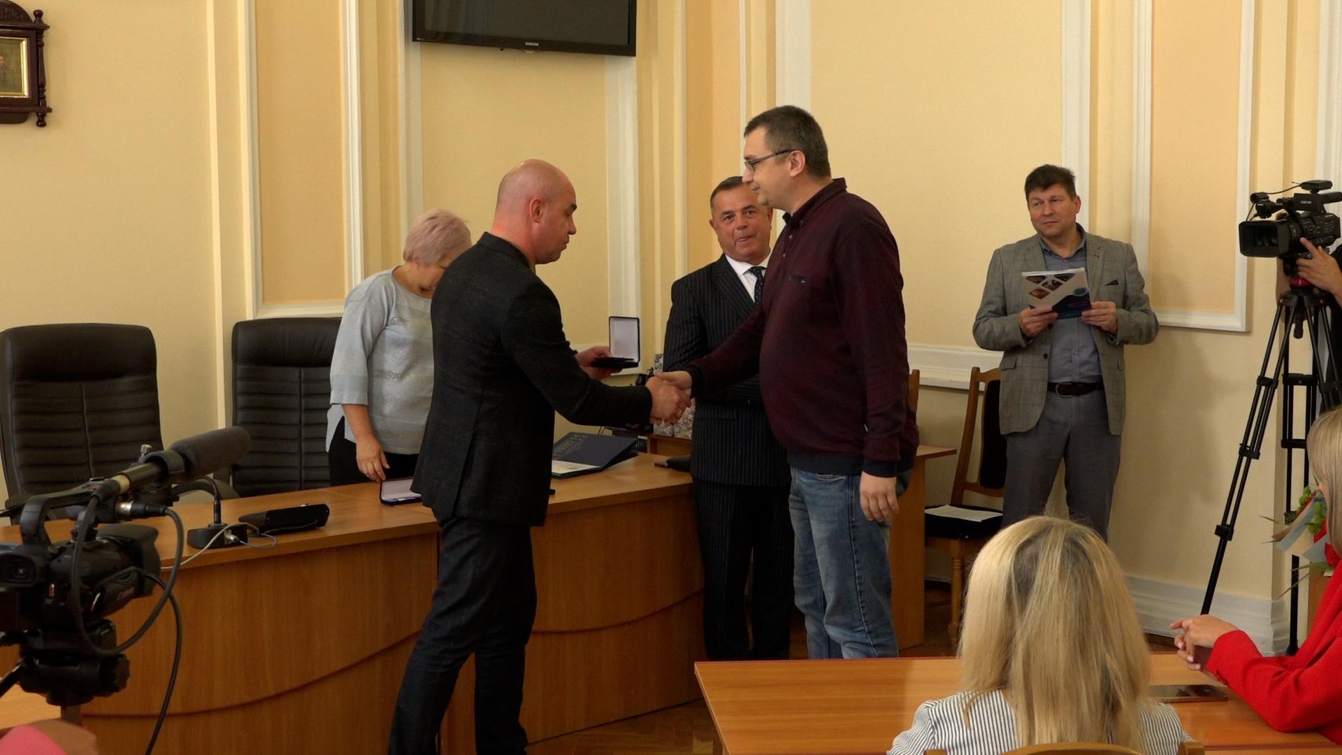 У Тернополі нагородили підприємців, які займаються волонтерством і сумлінно сплачують податки