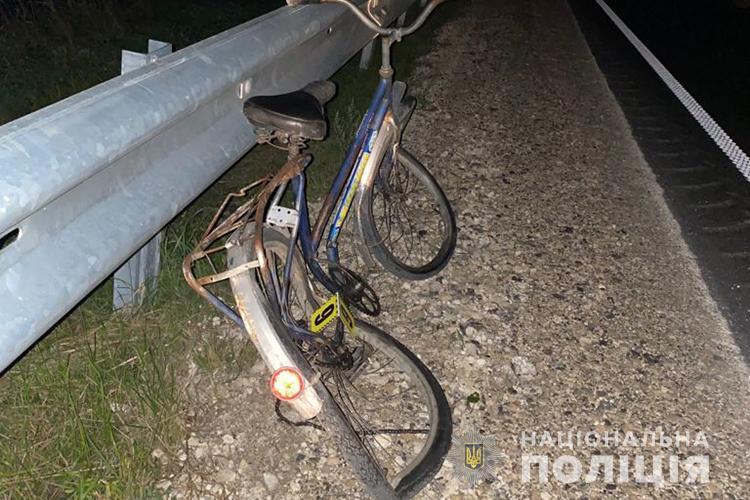 На Тернопільщині в автопригоді загинув велосипедист