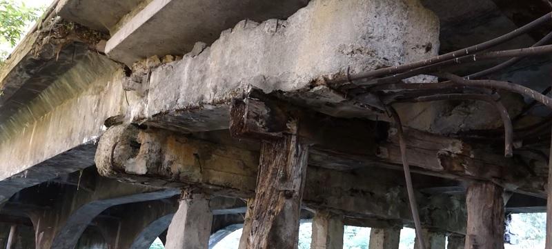 Стало відомо, чи ремонтуватимуть у Бережанах аварійний міст