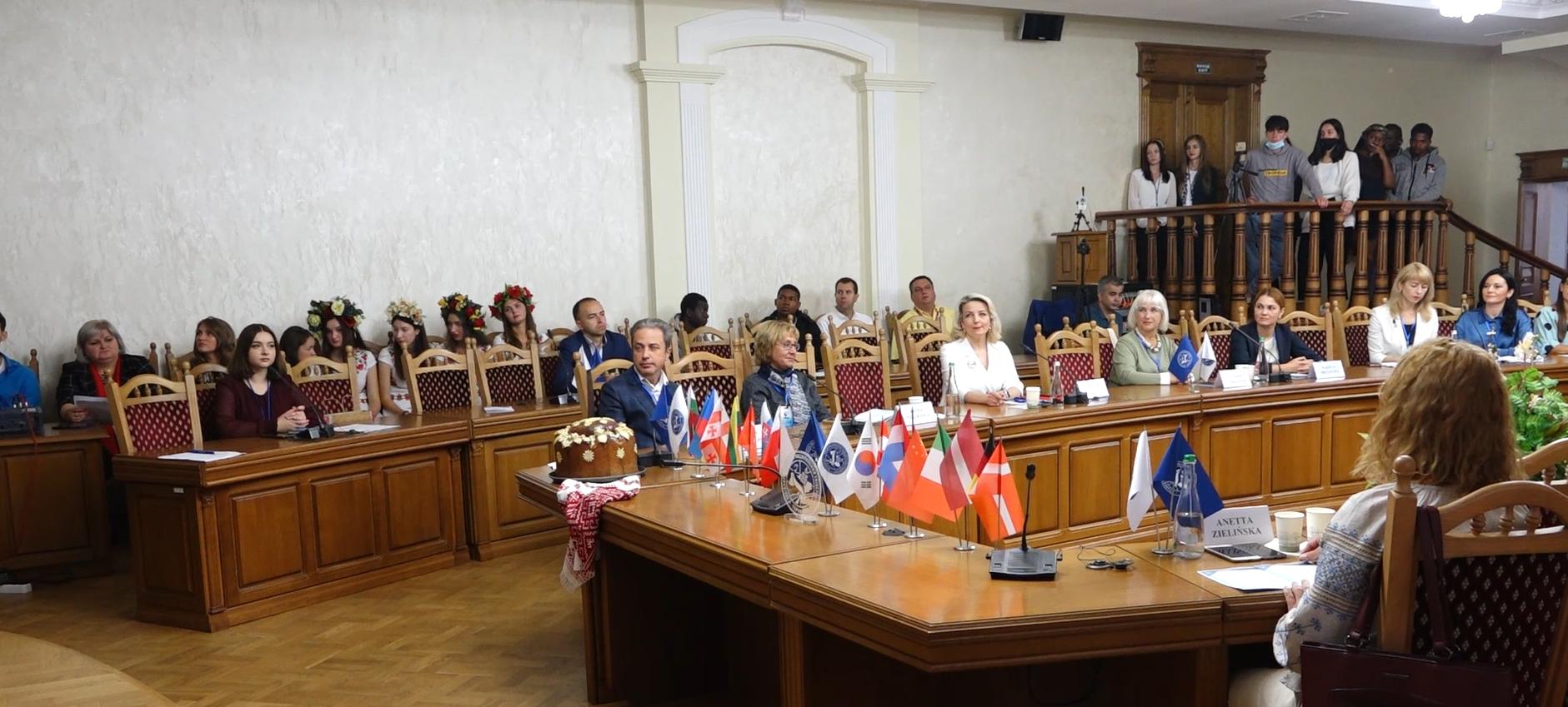 У Західноукраїнському національному університеті стартував масштабний міжнародний форум