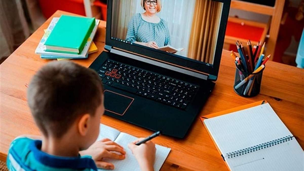 Міносвіти рекомендує вишам і коледжам навчання онлайн