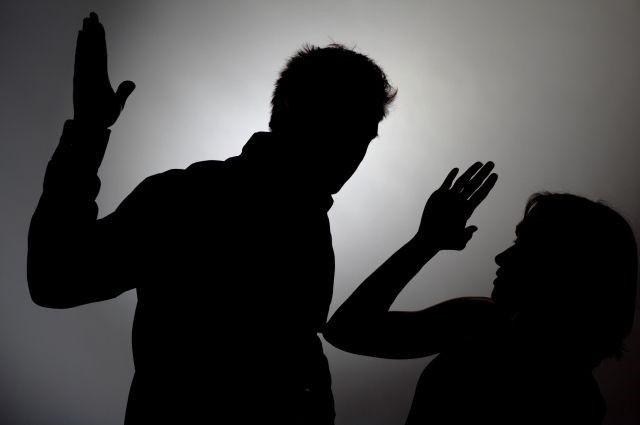 Судитимуть чоловіка, який знущався над літньою матір'ю
